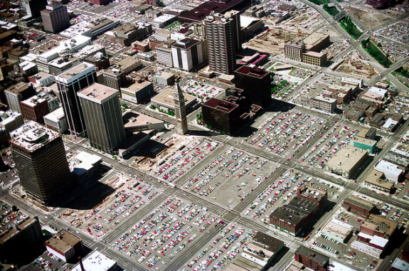 Downtown Denver June 1976. Image: Nick DeWolf via Flickr
