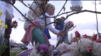 Screenshot from a Q13 report on a memorial for Lincoln Person (click to watch)