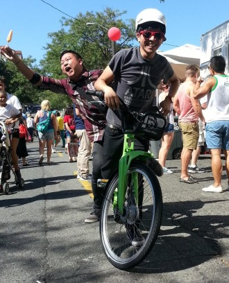 Dragon Fest attendees test out a Pronto bike. Photo from Pronto.